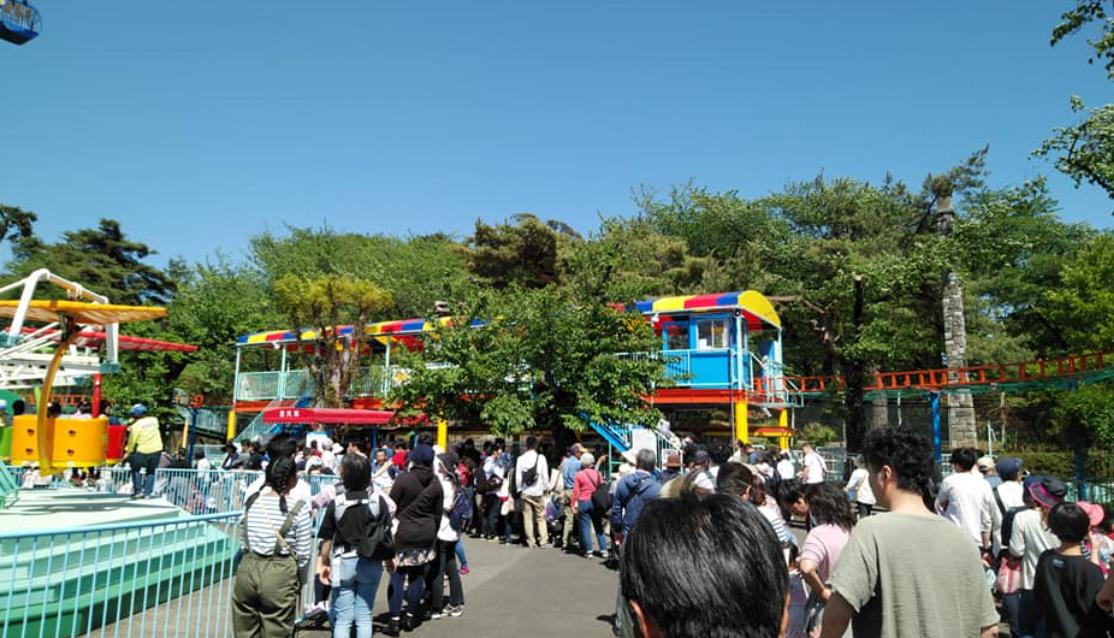 田舎の華蔵寺公園遊園地も大混雑🌻