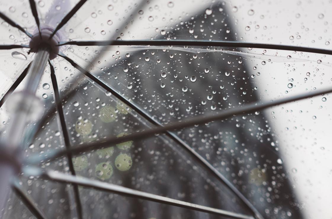雨の日にポスティングはNGです
