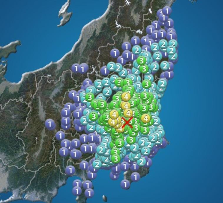 結構大きめの地震! でも震度3....